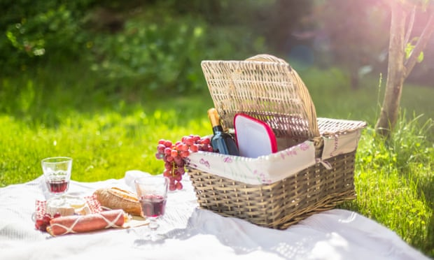 Hampers and prosecco, or blankets and pre-mixed tinnies: let the picnics commence!
